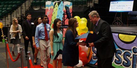 Seniors receive FEF scholarships