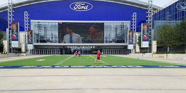 Under a proposal to the NFL, The Star, the Dallas Cowboys World Headquarters, along with AT&T Stadium would host the 2018 NFL Draft.