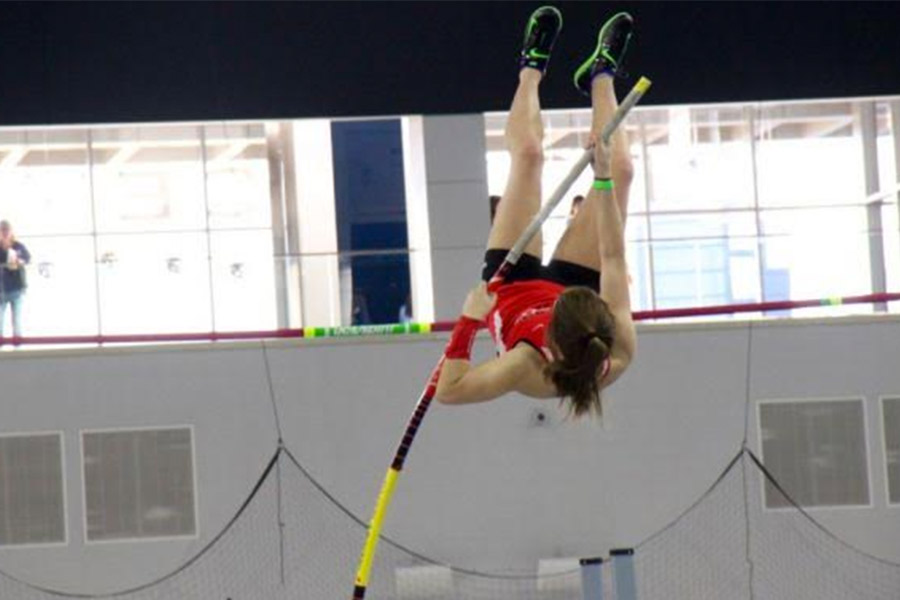 Masucci+has+been+pole+vaulting+since+the+fall+and+will+continue+in+the+summer.