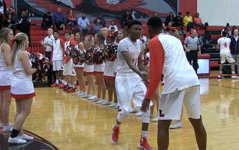 Boys' basketball looks to claim district championship