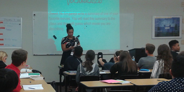 Teacher Makenzi Epps teaches AP Spanish 4 and believes there are many benefits in committing to a foreign language in high school.