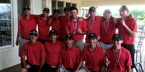 Boys' golf places third at district tournament