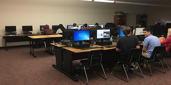 Entrepreneurship students learned about how to start a business through working on an analysis report that will be presented to their classmates.