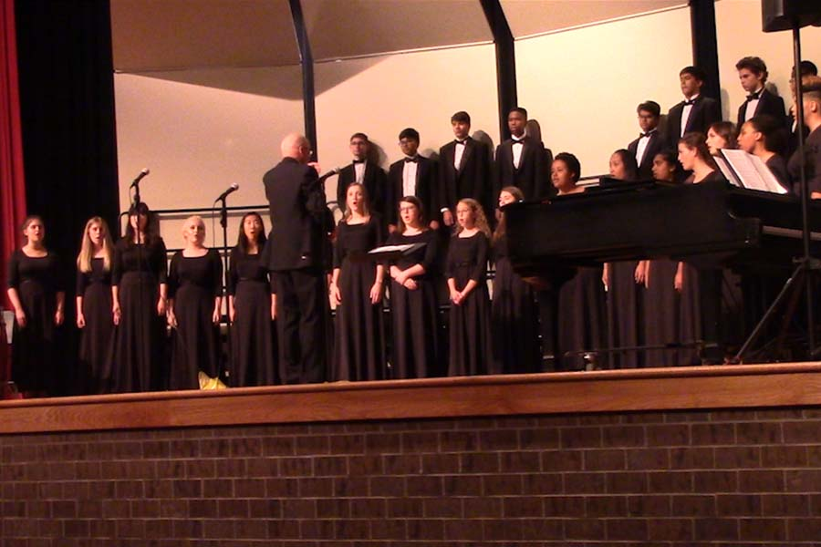 The last Choir concert will feature the Varsity Choir, Women's Choir, Show Choir, as well as songs from the seniors.