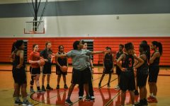 Girls' team begins basketball practice