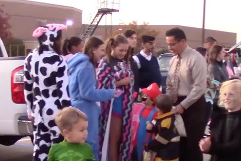 Trunk-or-Treat starts Halloween festivities