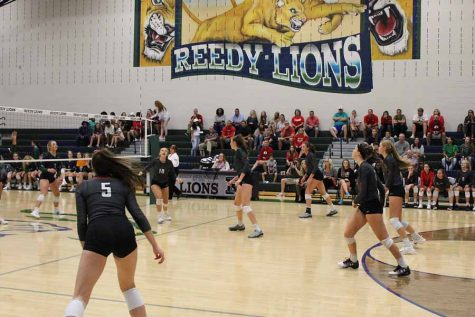 Redhawks fall in battles for first place