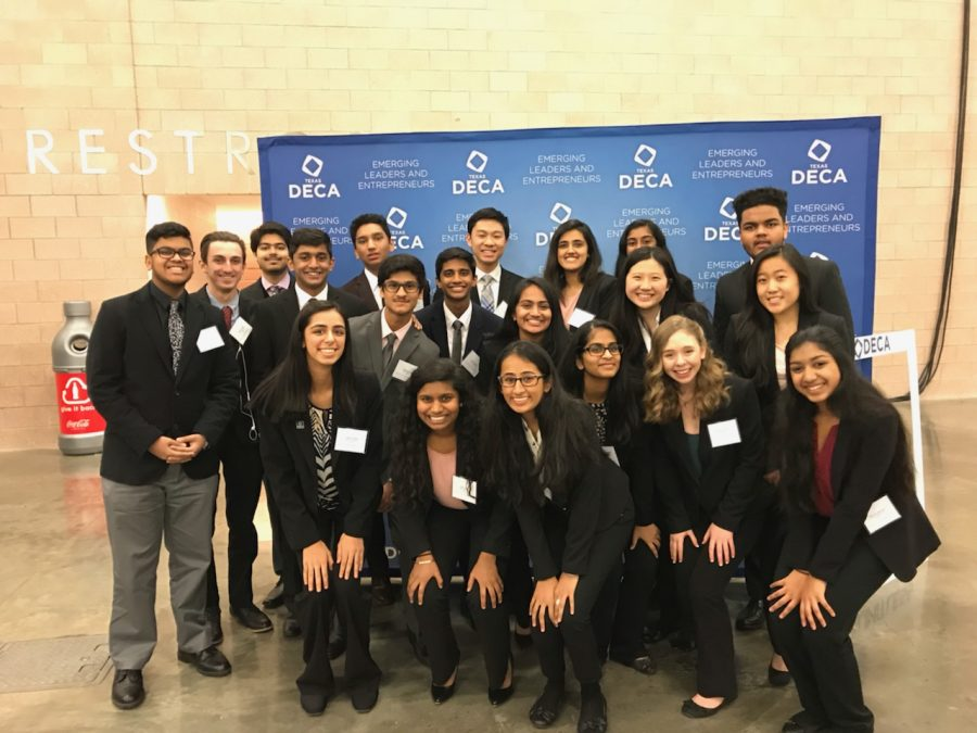 14+DECA+students%2C+along+with+coach+Chris+Ham%2C+are+spending+Tuesday-Thursday+in+downtown+Dallas+for+the+state+DECA+conference.+