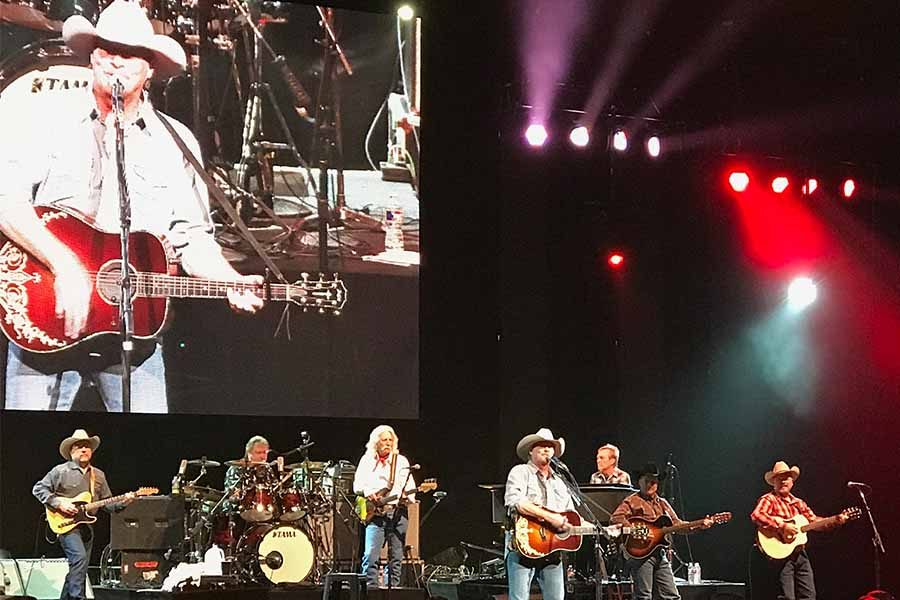 After+35+years+in+the+country+music+business%2C+Alan+Jackson+can+still+bring+it.+Performing+several+of+35+number+1+hits%2C+Jackson+and+his+band+held+court+Friday+night+at+the+Verizon+Theatre+in+Grand+Prairie.+