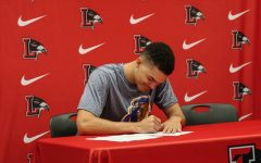 Heading west, Watson signs with UC Riverside