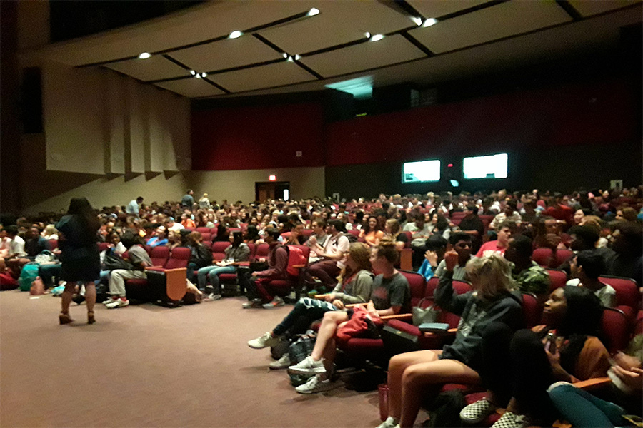 Seniors meet in the auditorium for the first class meeting.