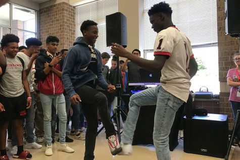 Homecoming dance gets a professional touch