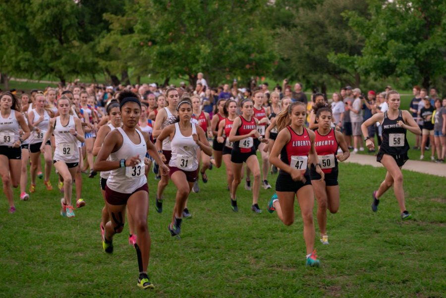 Flying into full gear, the cross country team  compete in their first meet of the year on Saturday in the Plano Invitational. Head coach Ben Manning leads the team into the 5k run at Russell Creek Park, with the girls beginning at 8:00 a.m., and the boys to follow at 8:30 a.m.