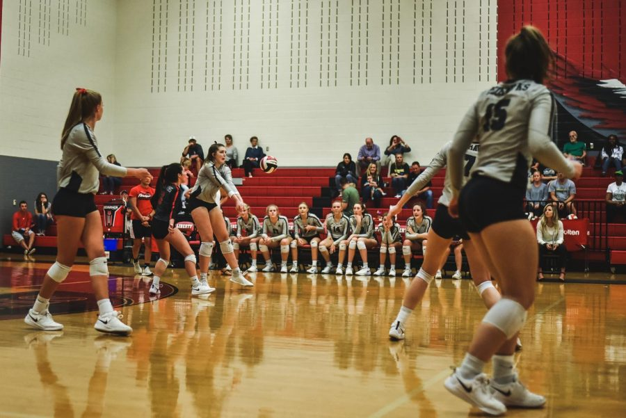 With+a+district+championship+on+the+line%2C+volleyball+competes+in+their+last+home+game+against+Heritage.