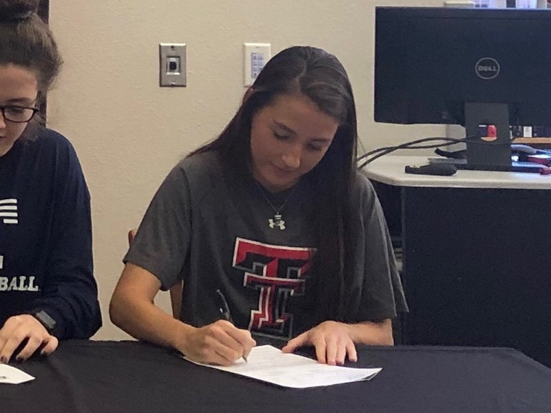 Senior+Hannah+Anderson+signed+to+play+girls%27+soccer++at+Texas+Tech+University.