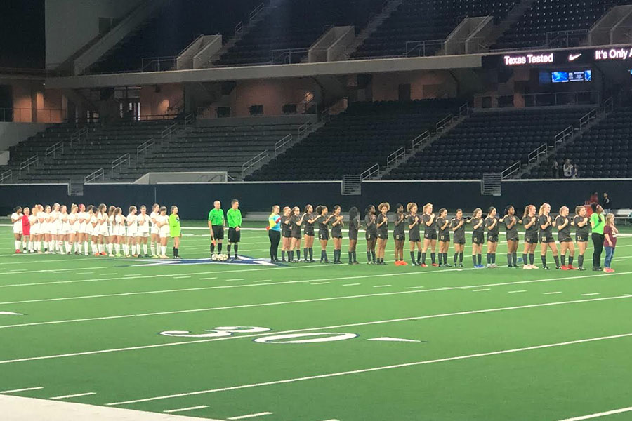 Soccer Splits With Lone Star Wingspan
