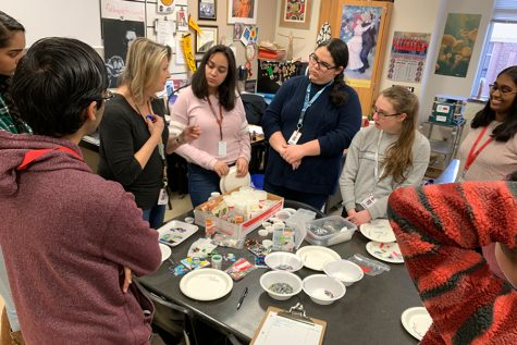 NAHS fuses glass into jewelry for Museum Night