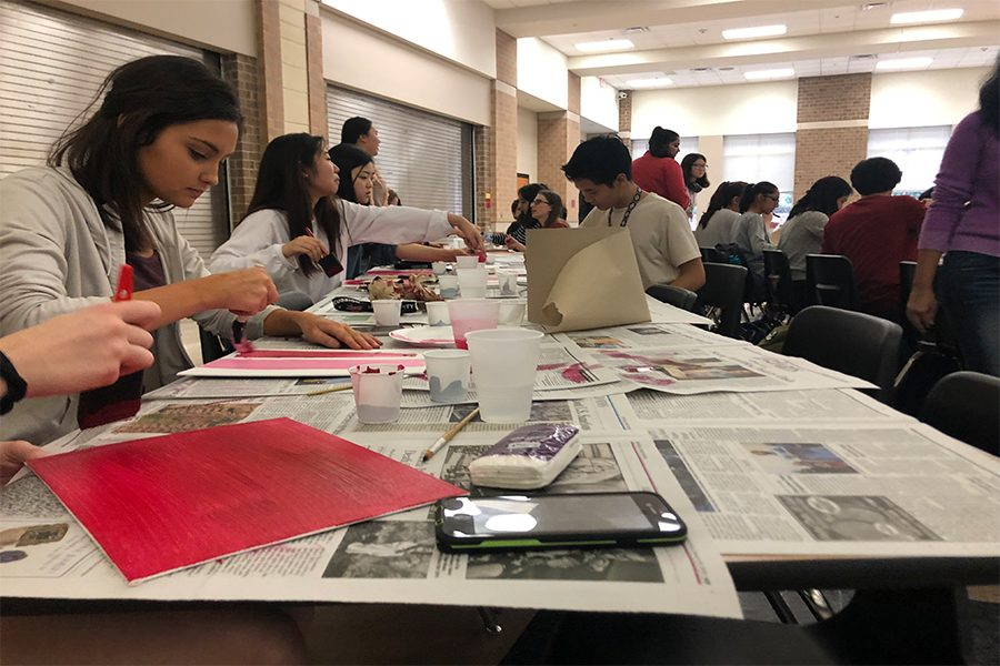 Students+worked+on+their+themed+Valentine%27s+Day+canvases+after+school+on++Wednesday+Feb.+6%2C+2019.
