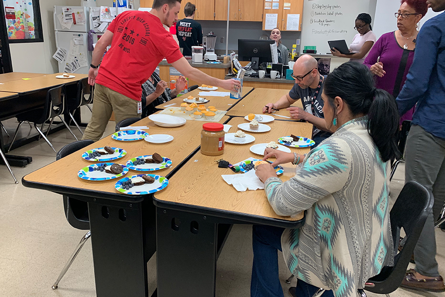 Students in food science participated in a class wide baking competition. After baking their deserts, students  offered their baked goods to the faculty. Teachers and admin were the judges of the food that the students had made.