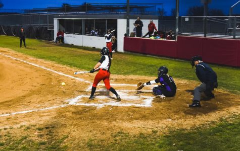 Trying to climb district standings, softball hosts Lebanon Trail