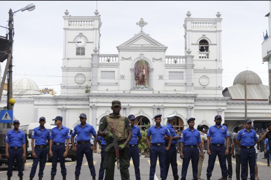 Special forces stand in front of a church target in the Easter bombings in Sri Lanka. Approximately 300 people died in the attacks that shook the Asian nation and junior Minuki Medis.