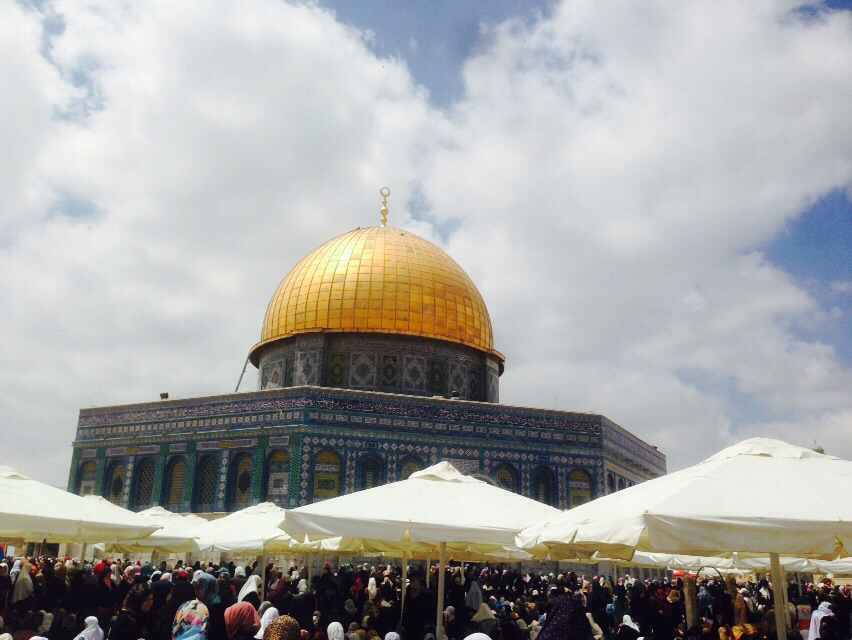 Every+year+to+celebrate+Ramadan%2C+hundreds+of+Muslims+would+gather+outside+the+Al-Aqsa+Mosque%2C+the+third+holiest+site+in+Islam%2C+in+Palestine+to+celebrate+their+beliefs+However%2C+due+to+COVID-19%2C+this+sacred+site+and+other+mosques+around+the+world%2C+including+in+Frisco%2C+are+closed+and+Muslims+across+the+globe+celebrate+Ramadan+at+home.+
