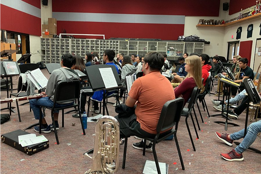 While most classes are starting to wind down with only two weeks of school left, band keeps working for their annual Spring Swing event to take place Saturday, May 18, 2019. The event will work both as a performance and fundraiser for the group.