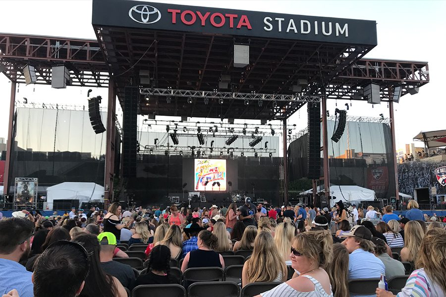Toyota+Stadium+in+Frisco+was+filled+with+country+music+for+the+annual+Off+the+Rails+country+music+festival+on+Saturday+and+Sunday.+Featuring+stars+like+the+the+Eli+Young+Band+that+are+right+out+of+DFW+and+one+of+the+biggest+stars+in+country+music%2C+Luke+Bryan%2C+the+two+day+festival+did+not+disappoint.