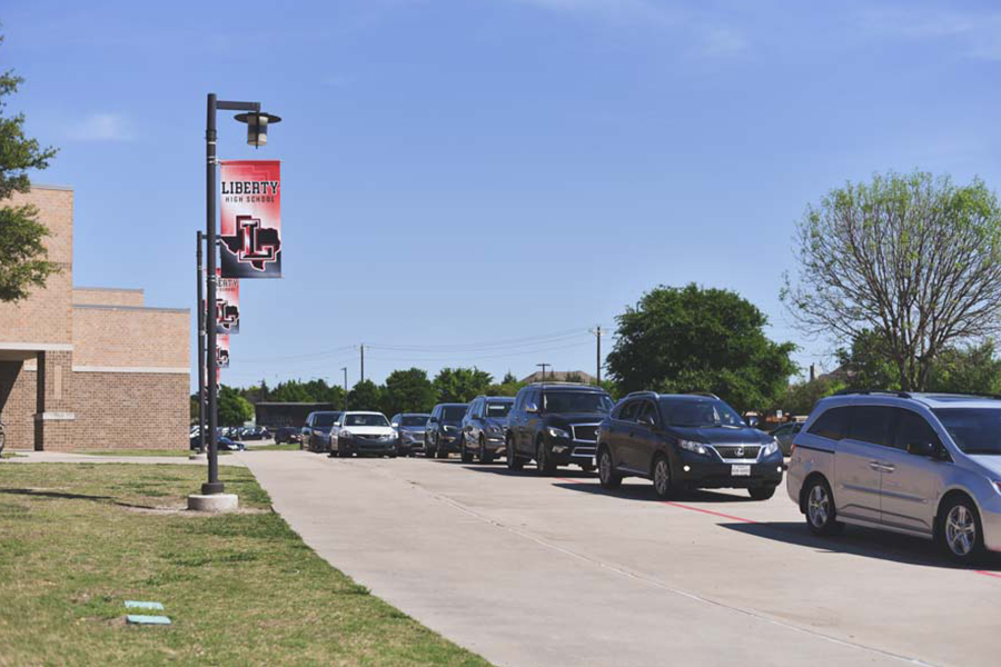 When the clock strikes 4:15 p.m., traffic builds up in front and around campus. Because of this, many parents resort to picking up their children off Rolater Road. Many students feel that a new system should be created to avoid safety hazzards such as these.