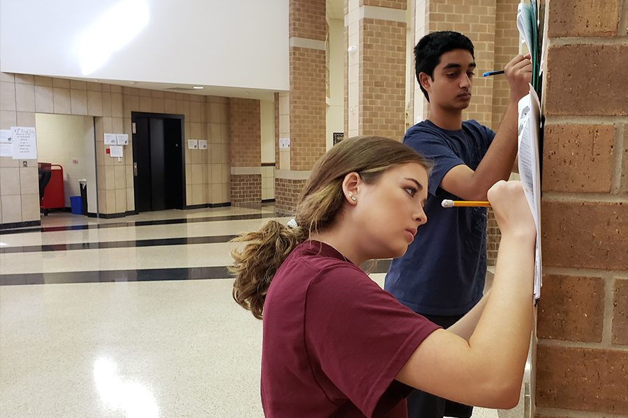 Caroline Attmore and Keshav Narasimhan are using the oppoutunity outside of the classroom to expand their learning in AP biology.