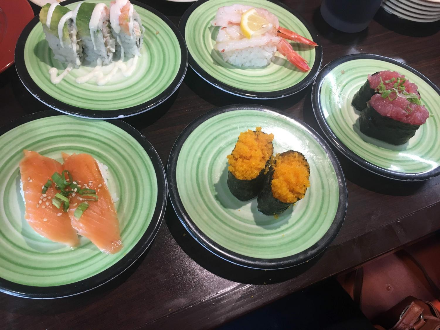 In this week's culinary crusade, Kanz visits Kura Sushi, a restaurant with a revolving sushi bar. Patrons can pick whatever sushi they want by pulling it off a revolving built or ordering it on a tablet.