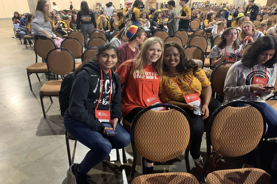 Seniors+Vaibhavi+Bamane%2C+Megan+Mills%2C+and+Meri+Tamiru+attended+the+first+day+of+the+International+Thespian+Society+Festival.+The+festival+is+hosted+at+the+Gaylord+Texan+hotel+in+Grapevine.