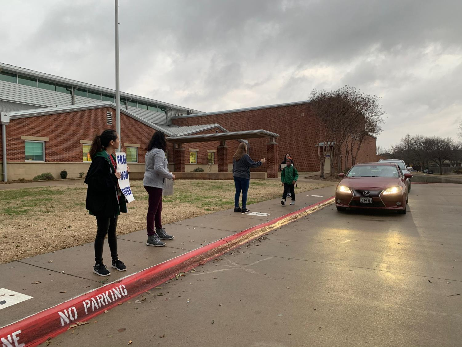 Pulse brought High Five Friday to Anderson Elementary on Friday morning. Pulse looked to promote positivity beyond campus and spread it throughout the district.