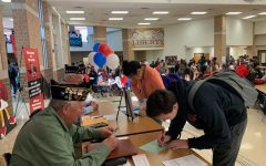 Voter registration drive prepares students for the primary