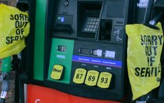 Texas gas prices tumble as industry suffers