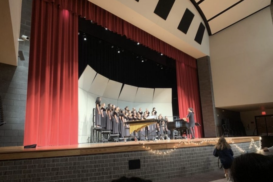 Choir performs at their last UIL concert back in 2019.