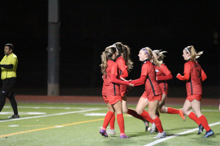 Starting off the week, the Redhawks played at Toyota Stadium Tuesday night. Both teams were able to score three goals, the girls' winning 3-0, while the boys tied 3-3.
