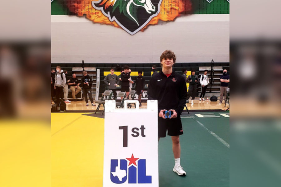 Wrestling for six years, sophomore Mitchell Borynack enters the 5A Region II wrestling meet with an undefeated record at 126 lbs. Borynack enters the tournament as the number one seed from District 8-5A after winning the championship on April 7.